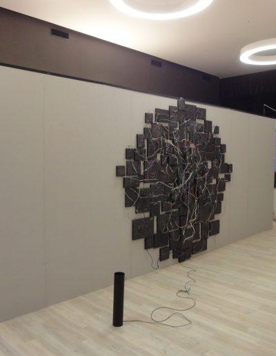 01. wystawa Różni Malarze z ASP w Warszawie, Galeria A, Starogard Gdański, instalacja BAND, 2016